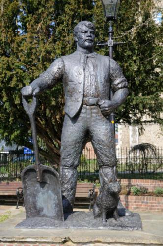 Maltmaker Statue, Ware,